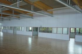 Teilglaselemente in Lagerhalle (Trennwände, Trennwand, Teilglas, Teilverglast)